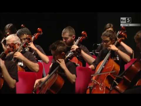 Giovanni Sollima & 100 Cellos,
