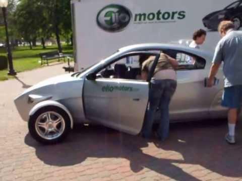 Elio 3 Wheeled Enclosed Motorcycle Car Visits Kansas City