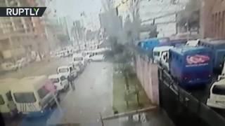 فيديو..لحظة انفجار سيارة مفخخة في أزمير بتركيا