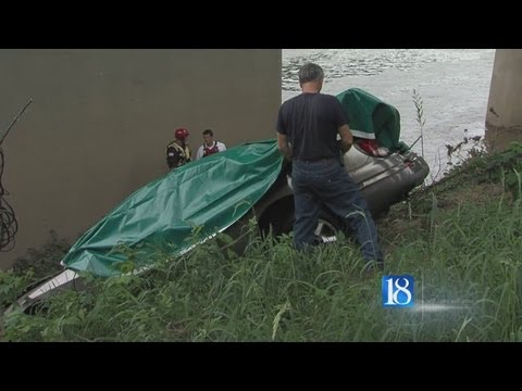 Car, body pulled from Wabash River