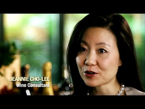 Meet Our Wine Experts | Singapore Airlines