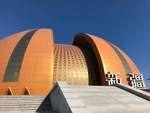 Behind the scenes at Xinjiang's Grand Theatre