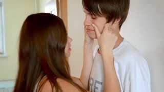 Как целуются Даня и Кристи?  || How Kristy kissed Danya?