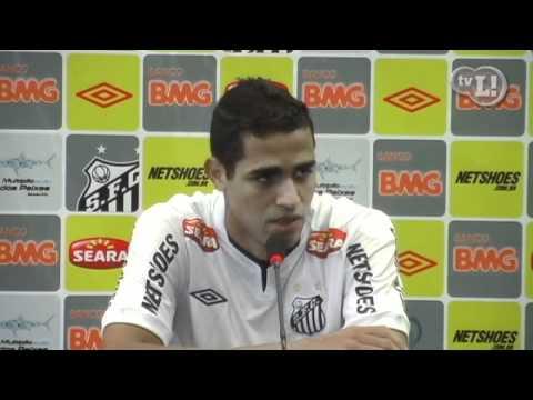Alan Kardec é apresentado e elogia estrutura do Santos