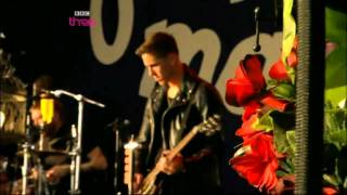 Florence & The Machine - Heavy In Your Arms (Live Glastonbury 2010)