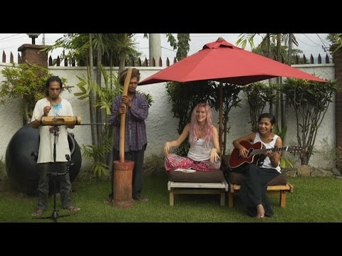 Joss Stone in Timor-Leste doing a collaboration with Edson.#JSTWT