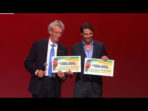 Rafael Nadal receives €1000000 for Rafa Nadal Foundation at Goed Geld Gala 2018
