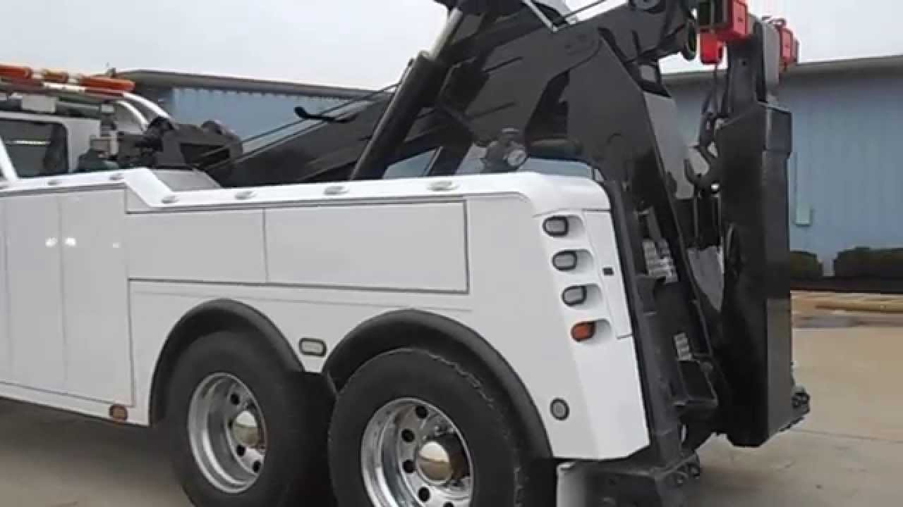 2009 Freightliner Columbia with Century 7035 - YouTube