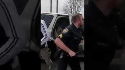Familie legt sich mit Amerikanische Polizisten an