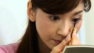 君島十和子さんによるまつ毛美容液の塗り方動画 君島十和子 検索動画 19