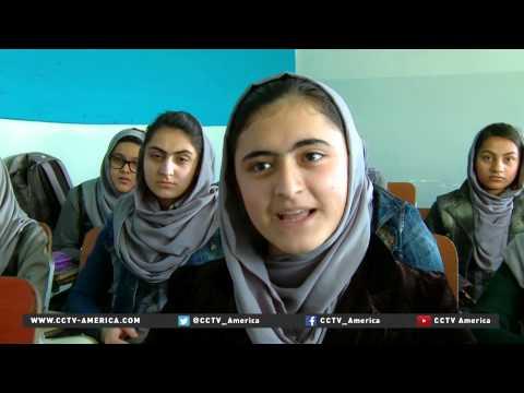 Afghan girls going to school despite Taliban