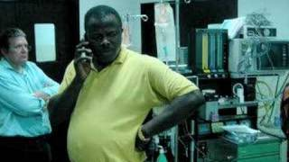 Seyi Oyesola: Health care off the grid(, 2008-05-28T16:25:05.000Z)