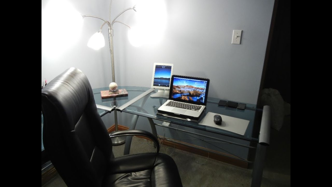 ultimate tech bedroom desk tour gaming setup desk setup 2011 entrainment system youtube. Black Bedroom Furniture Sets. Home Design Ideas