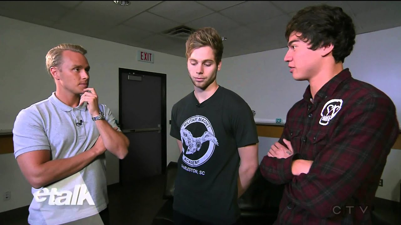 5 seconds of summerluke hemmings amp calum hood interview