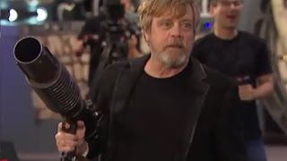 Mark Hamill Takes Over And Shoots T-Shirt Cannon - Star Wars Celebration 2017 Orlando