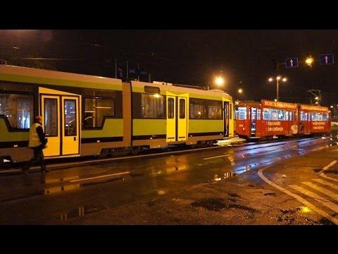 Nocny rozładunek tramwaju w Elblągu (portel)