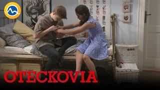 OTECKOVIA - Nina s Dominikom idú na to, keď vtom...