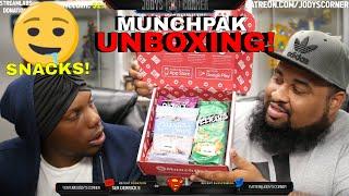 Munchpak Unboxing! | Tasting Snacks From Around the World!