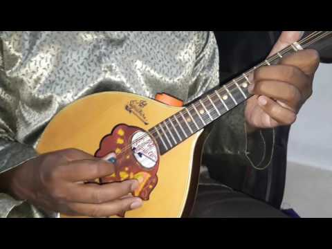 How to practise on D scale by mandolin