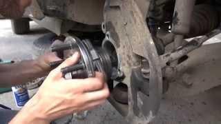 замена передней ступицы Ford Explorer 2002 hub front(Периодически появлялся хрустящий звук, стала загораться лампочка АБС. Оказалось - это передняя ступица...., 2012-08-08T06:55:52.000Z)