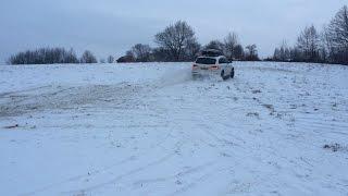 audi q7 3 0 tdi 290hp white test on snow extreme drive thule dynamic 900