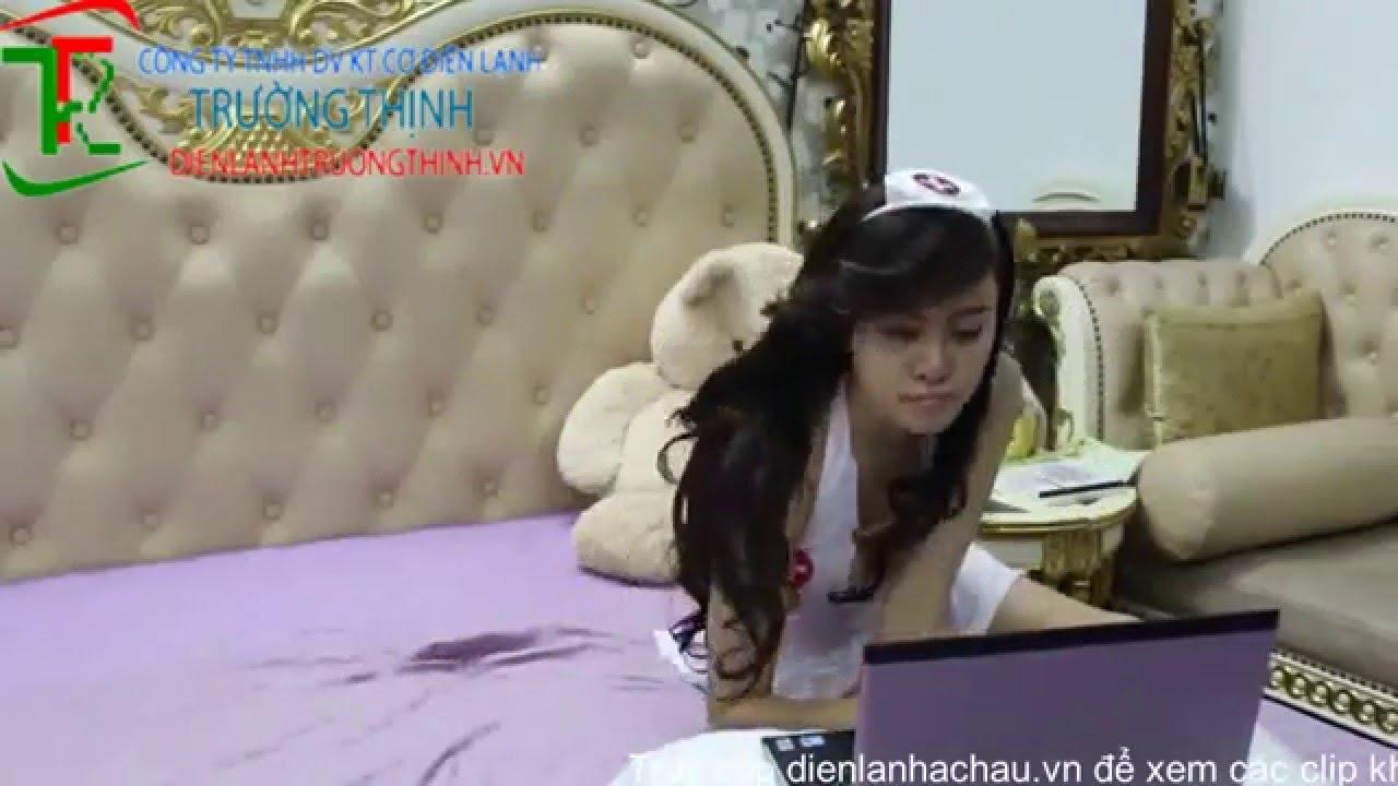 Bà Tưng Lê Thị Huyền Anh hóa thành cô y tá sexy