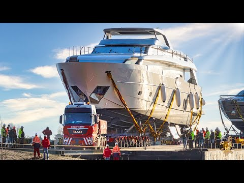 Mega-Yacht Transport / Heavy Haulage to the Exhibition Site | Boot 2020