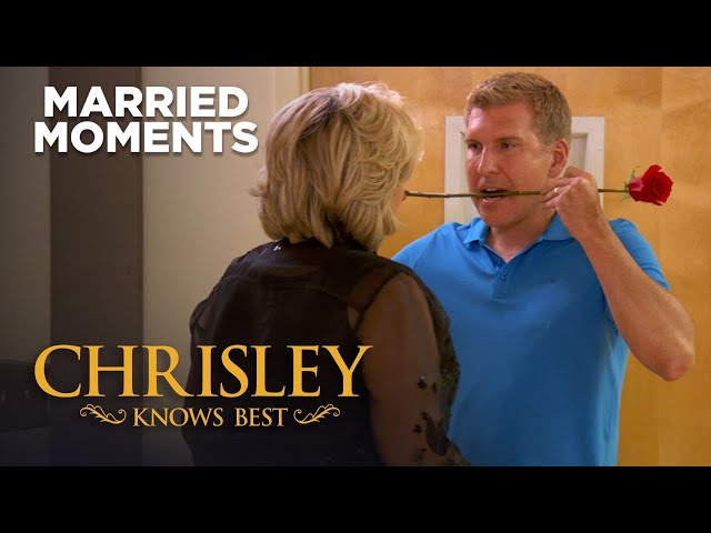 Chrisley Knows Best   Top 10\: Todd & Julie\'s Best Married Moments   on USA Network