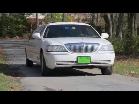 10 Passenger Stretch Lincoln Town Car By PrimeTime Limousine