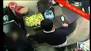 Barista calunniato e pestato da poliziotti, salvo per le telecamere