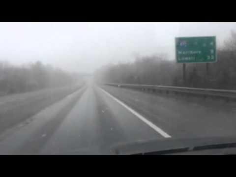 Snow flurries along I-290, Northboro, MA - 28MAR15