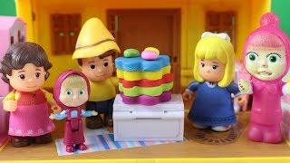 Heidi Clara Peter Ve Maşa Küçük Maşaya Sürpriz Doğum Günü Yapıyor Maşa İzle