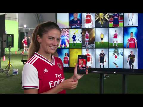 Arsenal Women's Players React To Their SWAP Collectibles 👀 | Official Digital Collectibles