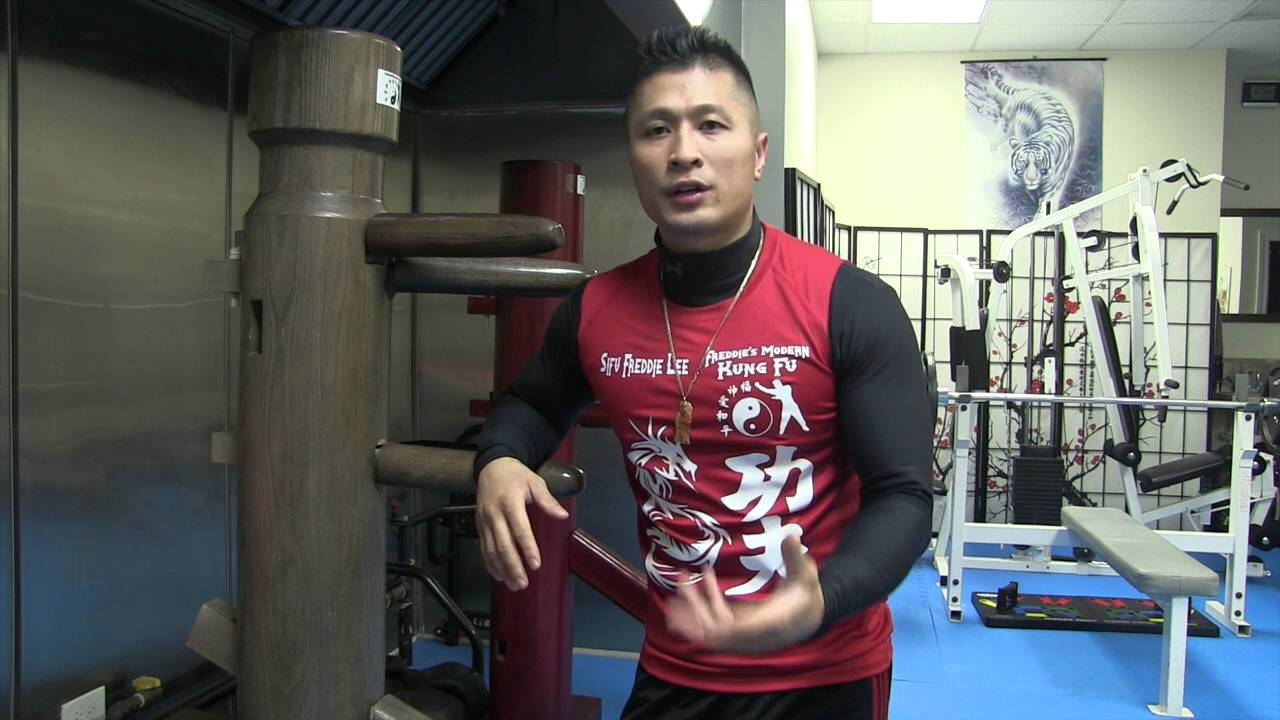How to Use The Wooden Dummy - Jeet Kune Do - Wing Chun - YouTube