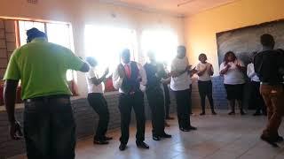 Mighty Praise Singers (Lomhlengi ungubani na) Live