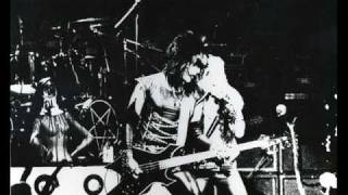 Motley Crue - Department Of Youth (live 1982) San Francisco