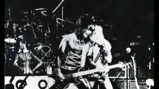 Motley Crue - Department Of Youth (live 1982) San Francisco