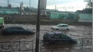 Витебское шоссе. Потоп в Смоленске 28 мая(Readovka.ru., 2014-05-28T10:27:06.000Z)