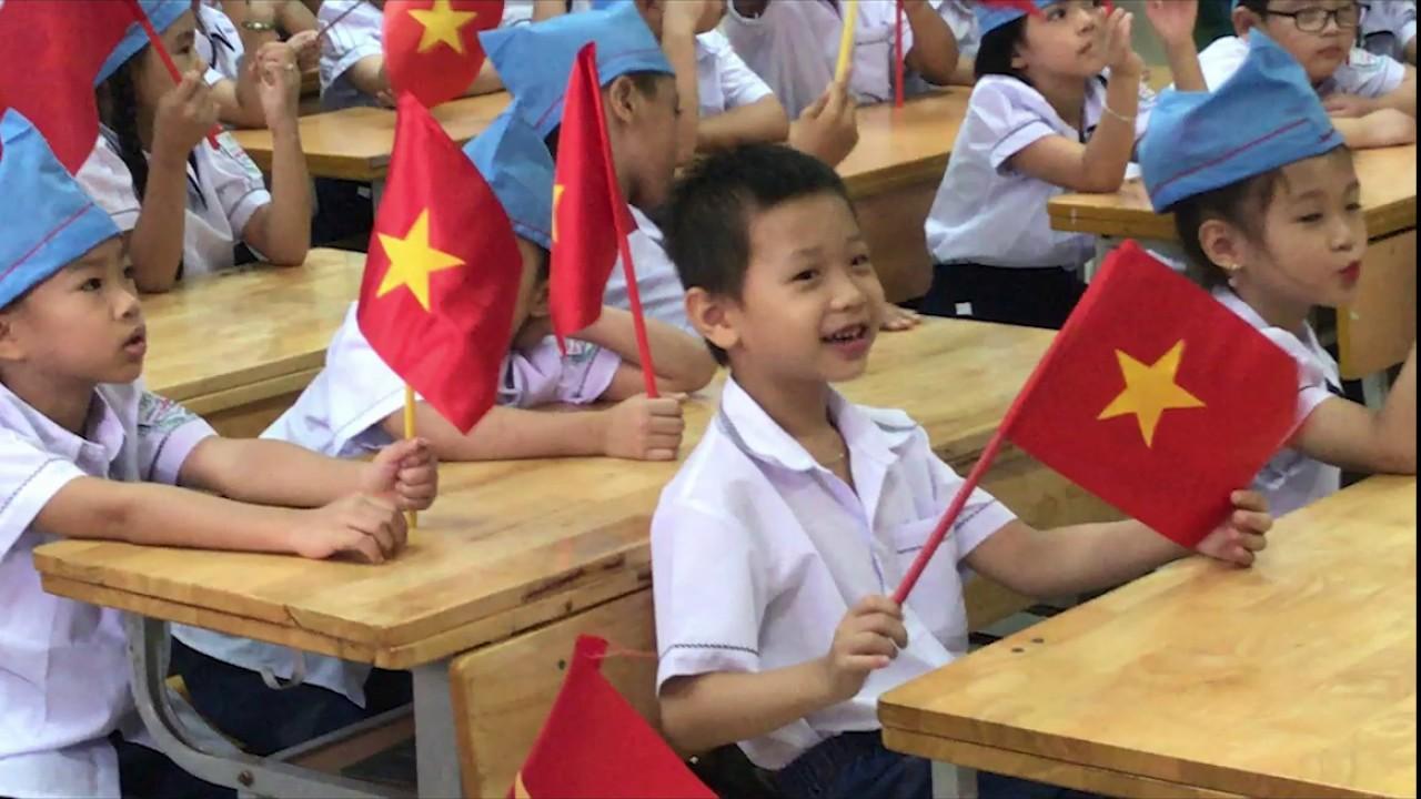 Khai giảng của Chích Bông tại trường tiểu học Kim Đồng năm học 2019 – 2020