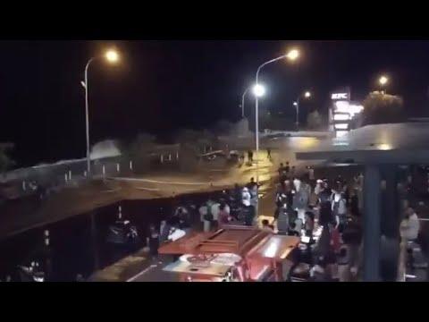 Gelombang Laut Tinggi di Kota Manado