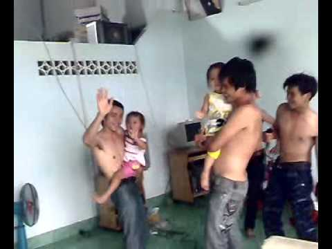 hai lua nhay cuc hot day .02.mp4