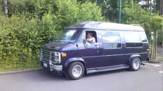 Super V8 Sound: Chevy Van