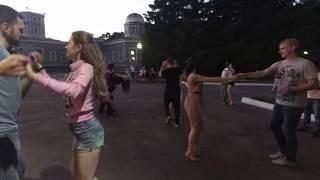 БЕСПЛАТНЫЕ уроки танцев в Центральном парке. г. Пенза. Танцевальная Студия ЛУНА #luna_penza