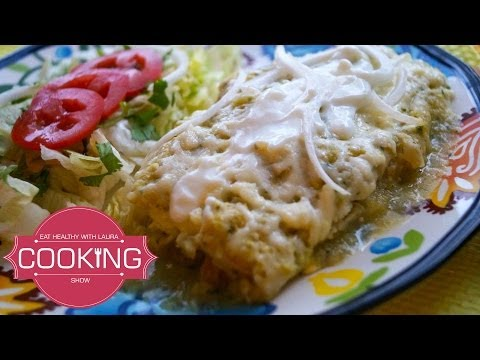 How to Make Chicken Enchiladas With Green Sauce