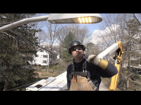 Wellesley Municipal Light Plant Switches to LED Street Lights