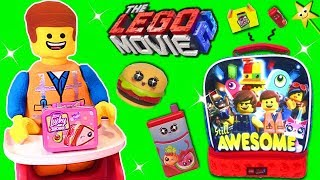 The Lego Movie 2 EMMET'S LITTLE LUCKY LUNCHBOX GAME w/ Surprise Toys