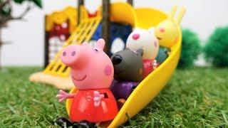 Видео с игрушками про Свинку Пеппу - Свинка осталась без друзей