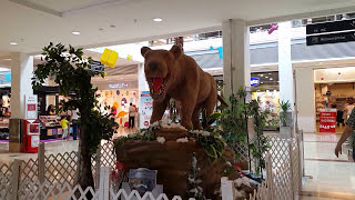 Video Extinct animals appeared in the mall in Istanbul download MP3, 3GP, MP4, WEBM, AVI, FLV Desember 2017