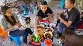 Backyard THAI FOOD Paradise!!! Foraging + Village Lunch with Chef Num | Sakhon Nakhon, Thailand