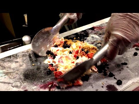 Fried Ice Cream | How to make Ice Cream with Flair Show | Cold Stone Creamery (Dubai Mall)